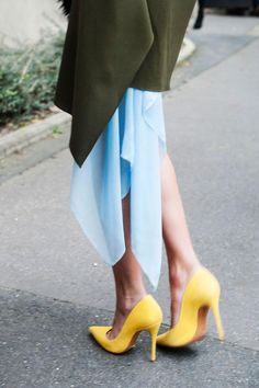 55 Street Style Snaps to Inspire Your Summer Shoe Wardrobe - yellow pointy toe pumps | StyleCaster