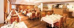 Restaurant Josefstube im Hotel Stubaierhof Neustift Restaurant, Table Settings, Good Food, Food And Drinks, Diner Restaurant, Place Settings, Restaurants, Dining, Tablescapes