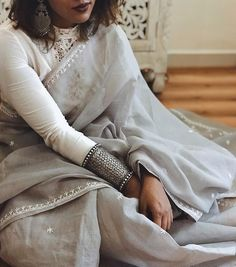 Wishing I could repeat this outfit but it's raining today! But seriously, how beautifully do grey, white and silver work together? Indian Attire, Indian Ethnic Wear, Indian Style, Indian Dresses, Indian Outfits, Indian Clothes, Pakistani Outfits, Grey Saree, White Saree