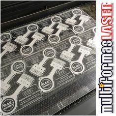 El control numérico por computadora CNC es un sistema que se basa en el control de los movimientos de la herramienta de trabajo con relación a los ejes de coordenadas de la máquina usando un programa informático ejecutado por una computadora que especificarán el movimiento de la herramienta de corte. http://ift.tt/1R9xzbU