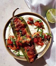 Harissa and Cheese Stuffed Chili Over Yogurt Yogurt Recipes, Spicy Recipes, Easy Weeknight Dinners, Quick Easy Meals, Stuffed Poblano Peppers, Fusion Food, Gluten Free Dinner, Vegetarian Dinners