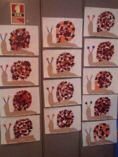 Schnecken basteln Juni 2017 Benötigte Materialien: Pappteller, Pfeifenputzer, T. Autumn Crafts, Fall Crafts For Kids, Diy For Kids, Diy And Crafts, Kindergarten Art, Preschool Activities, Manualidades Halloween, Autumn Activities, Animal Crafts