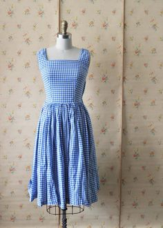 Gingham dress - I want to learn to make clothes like this and be all prairie and old-fashioned and always have an apron on, too.