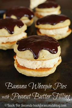 Banana Whoopie Pies with Peanut Butter Cream Filling are the most delightful dessert that everyone loves! The chocolate ganache topping makes these elegant and irresistible! Peanut butter, banana, and chocolate - one of the best Peanut Butter Filling, Peanut Butter Desserts, Köstliche Desserts, Delicious Desserts, Dessert Recipes, Plated Desserts, Peanut Butter Whoopie Pie Recipe, Picnic Recipes, Health Desserts
