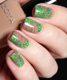 Goodbye Green Leaves, Hello Autumn - woodgrain and leaf nail art featuring Zoya polish and UberChic stamping | Sassy Shelly