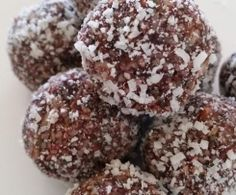 raspberry + cacao bliss balls