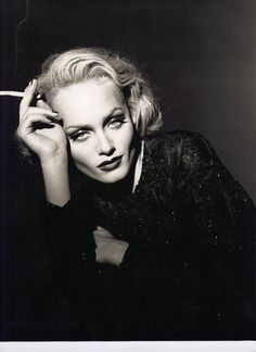 Amber Valletta channeling Carole Lombard.