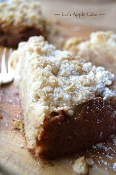 Authentic Irish Apple Cake ~ this traditional Irish coffee cake is delicious with or without the traditional custard sauce! Irish Coffee Cake, Irish Cake, Irish Apple Cake, Irish Apple Crumble Cake Recipe, Apple Pie, Apple Cake Recipes, Apple Desserts, Just Desserts, Delicious Desserts