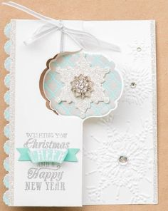 Christmas snowflake card using the Stampin' Up! Thinlits dies