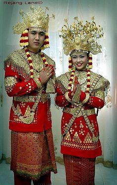 pakaian adat bengkulu - pakaian tradisional bengkulu