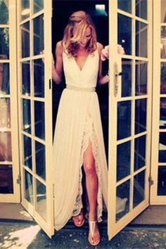 Charming Ivory Lace Long Beach Wedding Dress S10