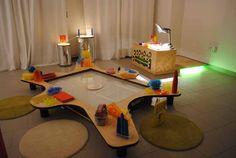 ReMida Bologna_Terre d'Acqua - dipartimento educativo ≈≈ Light Atelier ≈≈ http://pinterest.com/kinderooacademy/light-shadow-reflection-play/