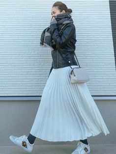 keicoのコーディネート一覧 - WEAR Pleated Skirt, High Waisted Skirt, Fashion Beauty, Womens Fashion, Beauty Style, Work Casual, Style Me, Winter Fashion, Leather Jacket