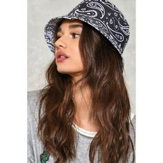 Nasty Gal Reversible Paisley Bucket Hat (363.665 VND) ❤ liked on Polyvore featuring accessories, hats, white, white flat hat, fishing hat, white bucket hat, bucket hat and white crown