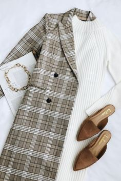 Live your most chic life in the the Lulus Manchester Moment Tan and White Plaid Coat! A chic double-breasted coat in a stylish white and tan plaid. Mode Outfits, Fashion Outfits, Womens Fashion, Fashion Flatlay, Fashion Clothes, Trendy Fashion, Fashion Ideas, Fashion Inspiration, Mode Bcbg
