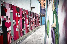 Make sure you swing by #LoveTheLanes in Crampton Court #TempleBar where artist Anna Doran has created the Love Wall #DublinBeMyValentine #LoveDublin #StreetArt