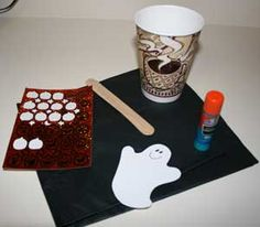 This kids Halloween craft involves making a ghost that can peek-a-boo! Kids will enjoy decorating the cup and making the ghost and then playing with the finished halloween craft. Ghost Crafts, Fun Crafts, Boo Ghost, Teen Programs, Trunk Or Treat, Halloween Crafts For Kids, Peek A Boos, Pre School, Holidays And Events