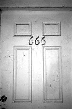 Find images and videos about pretty, grunge and aesthetic on We Heart It - the app to get lost in what you love. Southern Gothic, Dark Photography, Auras, The Shining, The Villain, American Horror Story, Macabre, Occult, Dark Art