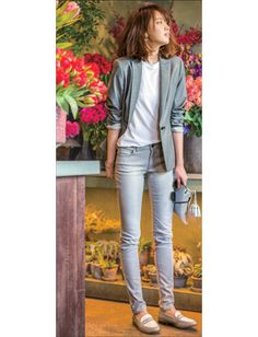 Office Outfits Women Casual, Japan Fashion, What To Wear, Leather Pants, Clothes For Women, Lady, Ladies Trends, Pretty, Womens Fashion