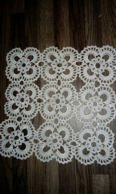 PDF Crochet runner pattern - Home decor - vintage crochet Crochet Tablecloth Pattern, Crochet Doily Patterns, Crochet Borders, Crochet Art, Filet Crochet, Crochet Motif, Vintage Crochet, Crochet Crafts, Crochet Doilies