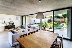 Designed by BAM! arquitectura, MeMo House is a home featuring three-dimensional garden which connects all the architectural floors. Design Ikea, Rustic Beach Decor, Style Loft, Appartement Design, Open Space Living, Modern House Plans, House And Home Magazine, Living Room Modern, Concrete Floors
