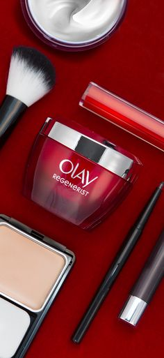 The perfect red carpet look begins with your skin. Always apply makeup over a clean, well-moisturized face, starting with @OlayUS Regenerist Microsculpting Cream, then apply foundation to lock in hydrating coverage.  You'll be ready for your close-up in no time.