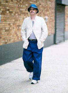 デニムハット×白ワークジャケット紺ワイドパンツ | メンズファッションスナップ フリーク | 着こなしNo:124611