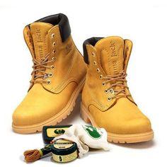 Cómo limpiar botas de piel. Unos zapatos limpios y brillantes son la carta de presentación perfecta en cualquier tipo de evento. En unComo no queremos que unas botas sucias o con mal aspecto arruinen tu imagen y, por eso, te mos...