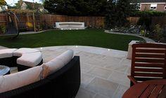 Pergola For Small Backyard Small Backyard, Modern Garden Design, Outdoor Tile Patio, Modern Garden Landscaping, Outdoor Patio Decor, Modern Patio, Backyard Decor