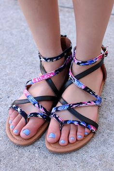 55790490758 Strappy Black Floral Print Sandals