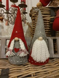 Valentine Crafts, Holiday Crafts, Diy Xmas Ornaments, Theme Noel, Dyi Crafts, Christmas Gnome, Christmas Centerpieces, Christmas Traditions, Creations