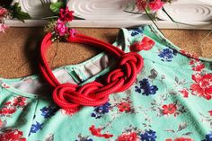 Collar rojo de nudo Love, Red Necklace, Fashion Accessories, Knots, June, Amor, El Amor