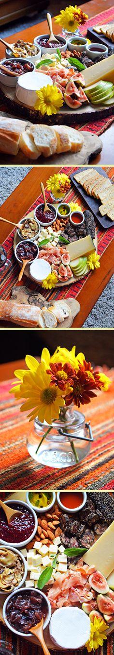 Tábua de queijos, frios e acompanhamentos para comemorar uma data especial