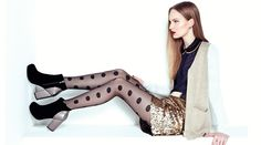 BASEMENT Vuélvete creativa con tu look. Color blocking, lentejuelas y medias de puntos! Cool Sweaters, Basement, Heels, Outfits, Fashion, Sequins, Tights, Creativity, Dots