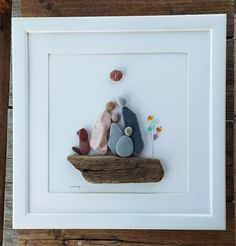 10th Anniversary Gifts, Pebble Art Family, Pebble Pictures, First Contact, Big Family, Beach Art, Family Gifts, Family Christmas, Family Pictures