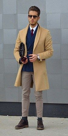 Men's Style Trends: The Camel Coat // Here are the 5 key men's style trends worth taking a look at. Some of these pieces are already trending, but I think they'll reach the wider public by the end of the year. Stylish Mens Fashion, Mens Fashion Suits, Stylish Outfits, Winter Outfits, Nyc, Fashion Trends, Men's Fashion, Winter Fashion, How To Wear