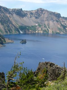 Crater Lake National Park - Oregon ... The tiny white dot in the lake is the boat used for the Volcano cruise.