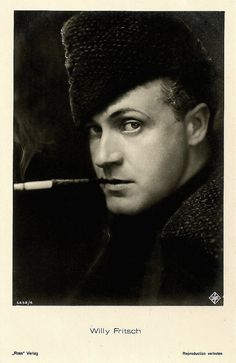Willy Fritsch - hat and ciggie