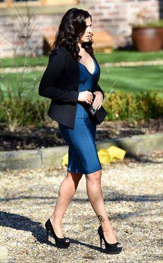 Kym Marsh displays cleavage on Coronation Street set as character Michelle Connor Coronation Street Set, Michelle Connor, Designer Stubble, Walking Poses, Kym Marsh, Beautiful High Heels, Beautiful Ladies, Hot Country Girls, Bollywood