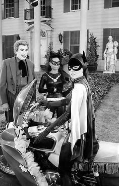Batman The Joker (Cesar Romero), Catwoman (Eartha Kitt) And Batgirl (Yvonne Craig) Batman Batcave, Batman 1966, Batman And Superman, Batman Robin, Batman Batmobile, Batgirl, Batwoman, Batman Tv Show, Batman Tv Series