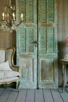 Creative uses for old shutters - Christinas AdventuresYou can find Old shutters and more on our website.Creative uses for old shutters - Christinas Adventures Shabby Chic Furniture, Shabby Chic Decor, Painted Furniture, Diy Furniture, Chabby Chic, Furniture Removal, Vintage Shutters, Diy Shutters, Repurposed Shutters