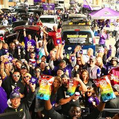 Always great to see the #Baltimore #Ravens all smiles and happy! Thanks @hooptea!  #SuperTailgate #tailgate #tailgating #win #letsgo #gameday #travel #adventure #stadium #party #sport #ESPN #jersey #sports #league #SportsNews #score #photooftheday #love #football #nfl
