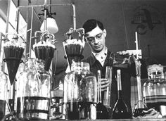 Chemist in a research institute, Otrokovice, 1938