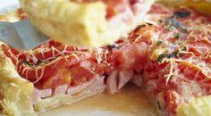 Пирог с ветчиной, помидорами и базиликом