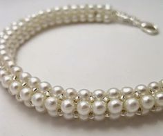 How to make this Herringbone Pearl Rope - free tute. #Seed #Bead #Tutorials