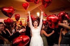 """Esbanje amor em seu Casamento com balões Flexmetal Coração vermelho 20""""  Confira nossos modelos no site www.flexmetal.com.br  flexmetal@flexmetal.com.br"""