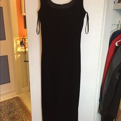 Black velvet party dress Beautifully shaped, zipper in back squareish neckline , lined; classic Dresses Maxi