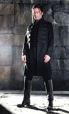 Richard Roxburgh as Count Vladislaus Dracula. Van Helsing (2004)