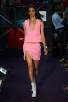 Jacquemus Spring 2014 Ready-to-Wear Runway - Jacquemus Ready-to-Wear Collection