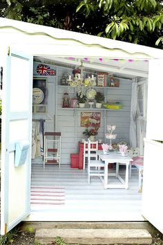 Shabby chic shed ideas, she inside a shed ideas about she sheds on she sheds craft shed. Shabby Chic Crafts, Shabby Chic Kitchen, Shabby Chic Homes, Shabby Chic Decor, Kitchen Country, Cubby Houses, Play Houses, Shed Interior, Playhouse Interior
